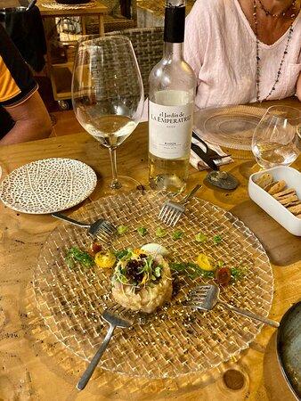 Tartar de corvina con diferentes texturas de wasabi