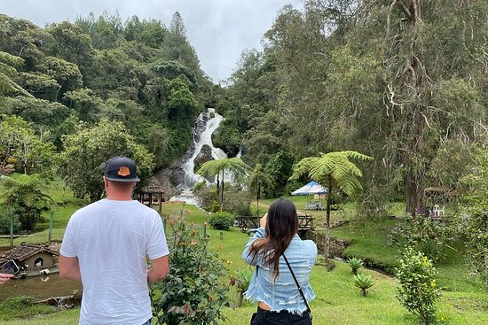 Besøk El Retiro Town & Tequendamita Foss