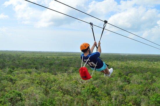 Full day adventure in Horses + ATV + Ziplines + Rappel + Cenotes + Lunch: Tirolina sobre la selva. 