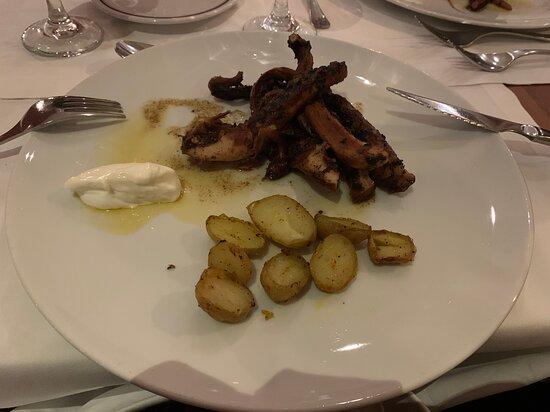 Polvo delicioso! Restaurante Mediterrâneo
