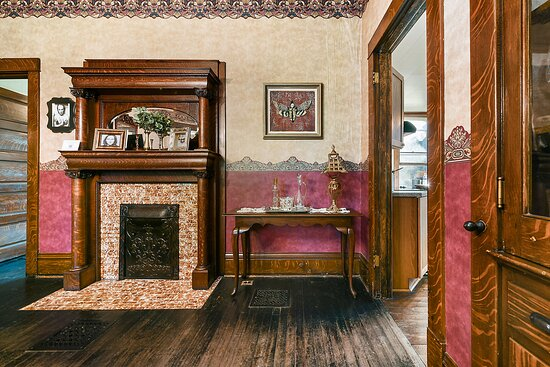 """The infamous Dining Room as seen in """"The Silence of the Lambs"""""""
