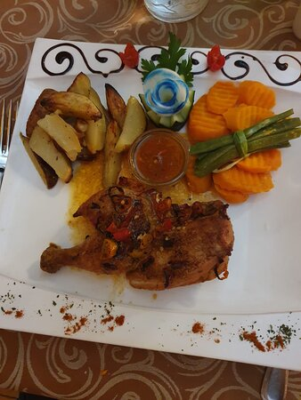 Piri piri chicken was amazing. We also ordered the spaghetti and the chicken and pineapple skewer, they were all delicious meals, the staff and owners were all friendly and was a pleasure to eat here.
