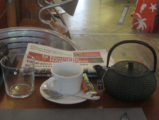 Café Thé Snack L'Escale de La Boîte à Livres. Vue 6. Boisson Thé Vert. 31 Août 2021. TOURS.