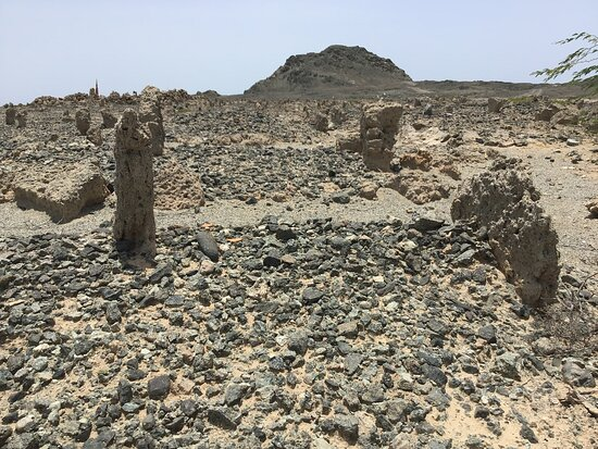 Masirah Island, Oman: Safa'iq ancient grave site