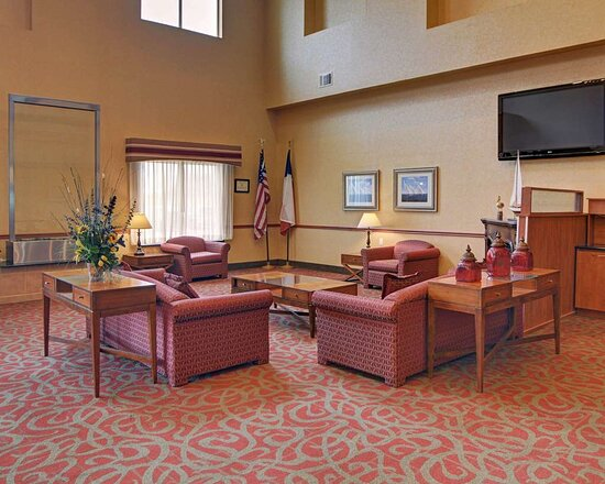 Quality Suites Near Cedar Creek Lake