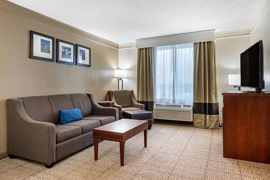 Suite with living room