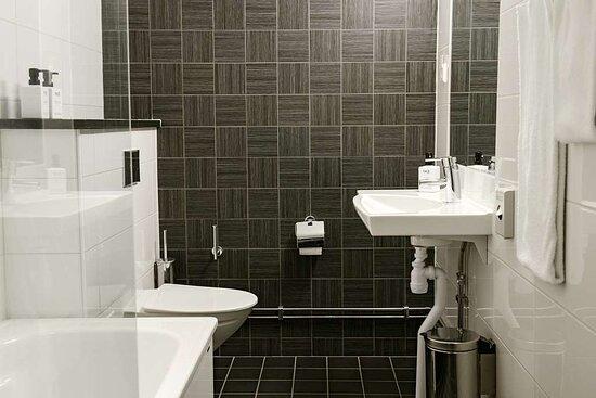 Scandic Ferrum Interior superior room bathroom