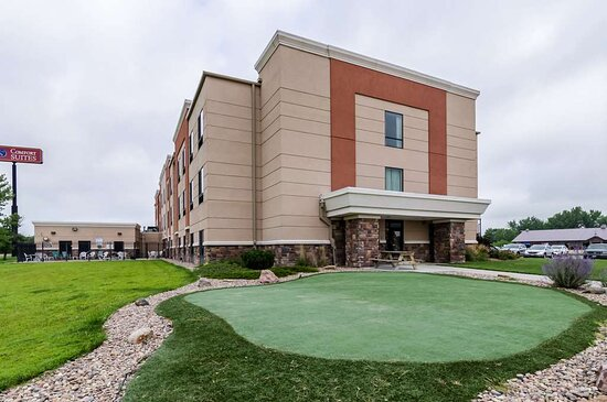 Hotel putting green