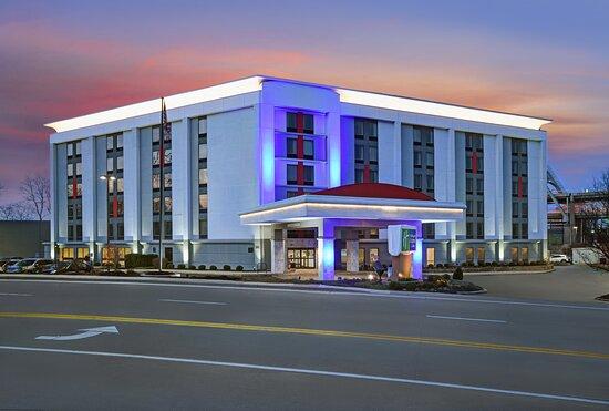 Holiday Inn Express & Suites Cincinnati Riverfront, an IHG hotel