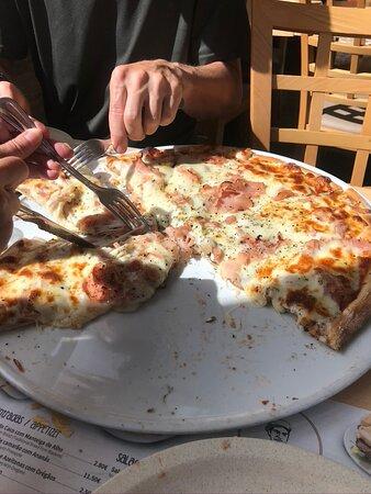 fiambre e queijo pizza...wuper grande for 3+ pessoas