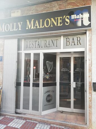 Molly Malone's on Plaza Alameda - the place to be in Coin!