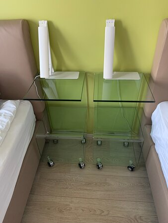 Airport Hotel Aurora Star, Keflavik Airport, Iceland: glass bedside tables