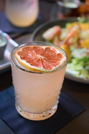 PLAYA PALOMA 100% Agave Tequila Blanco, Red Grapefruit, Lime, Cane Syrup, Soda