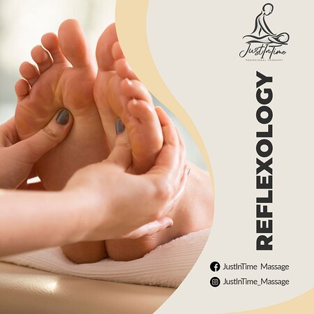 Did you know that…? 🤯  Reflexology is a massage on the feet but it affects the whole body. It allows the body to relax, relief stress and heal. 👣🧘♂️  #JustInTimeMassage #MassageInCabo #Reflexology