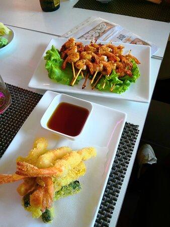 Una buona tempura e spiedino di gamberi