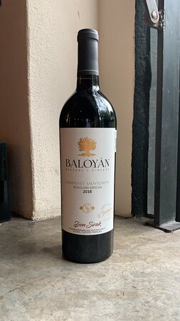 Prepárate para una noche de cata con Baloyan. Una de las catas más esperadas por visitantes, amigos y amantes del vino mexicano. Visítanos y disfruta una noche de vinos, amigos, tapas y buena charla.  8 se septiembre 8:30 pm 3 vinos/ 7 tapas 720 p/p Vinícola Baloyán