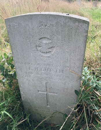 16.  Commonwealth War Graves, Westerham;  the grave of Aircraftsman Leslie Harold Gutsell, Royal Air Force Volunteer Reserve;  date of death 27 julyn 1946;  age 25