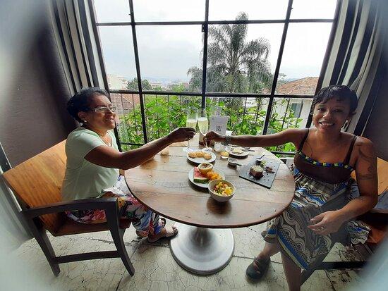 Vivendo um aniversário memoravel! Passei uma diária no hotel Santa Teresa Mgallery com minha mãe em comemoração ao meu aniversário.