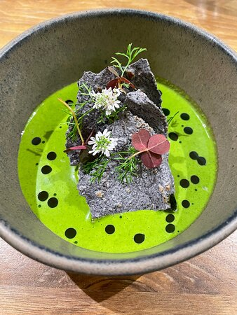 """Stone crab, green """"pippin"""" made with Thai basil, sunflower seeds, blue corn tostadas"""