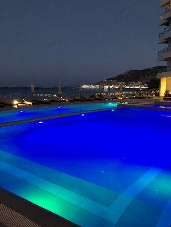 Gorgeous sparkling clean pools!
