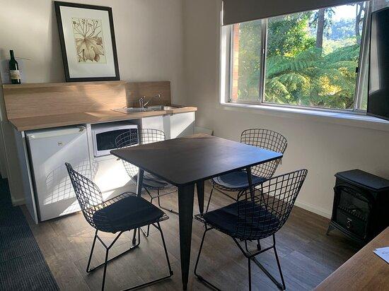 Tree Tops Suite kitchenette