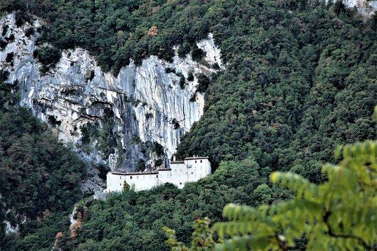 Scheggia, Italy: vista da lontano
