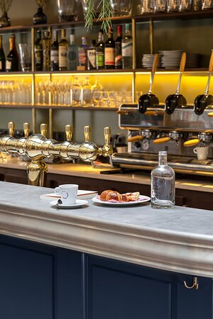Chouchou Bar Guinguette _ marché food market food court – restaurant tendance Opéra – Galeries Lafayette _ Paris 9