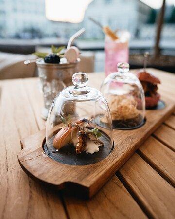 I nostri eleganti #fingerfood, serviti in un'ampolla di vetro per farti gustare al meglio ogni sapore!  👉 Ti aspettiamo come sempre dal Martedì al Sabato dalle 18.00 in poi. 📌 Per info e prenotazioni scrivici in Privato oppure su Whatsapp al + 39 338 861 5823