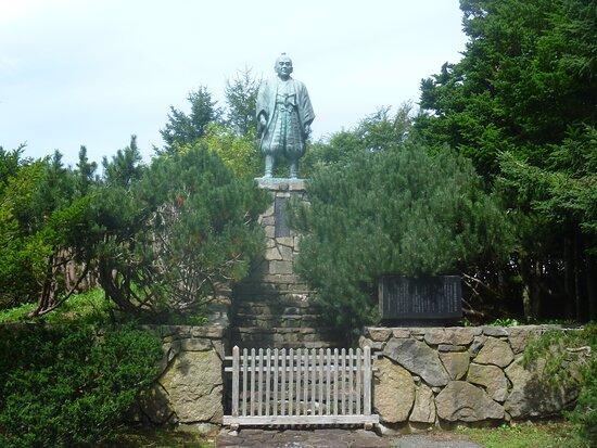 Takadaya Kibe Statue