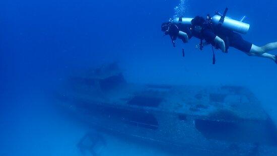 Racha Noi & Racha Yai 3 dykk (certificerede dykkere) - Phuket Dive Tours: wrack diving