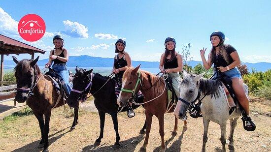 Akritochori, Yunanistan: 🇬🇷 Ήλιος, βουνό, λίμνη και ιππασία. Μοναδική εμπειρία!  🇬🇧 Sun, mountain, lake and horseback riding. A unique experience!