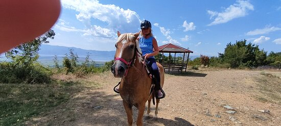 Akritochori, Yunanistan: Horseback riding on belles mountain