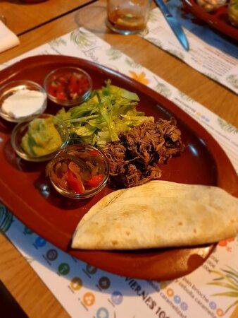 Este plato pertence a una Fiesta Mexicana, el último fin de semana de cada mes lo celebramos con Fiestas temáticas y platos de otras culturas. ¡Anímate a probarlos!