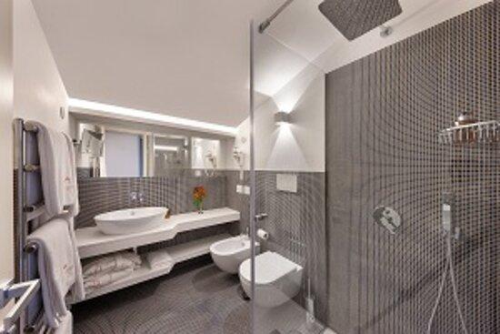 Maison Amalia Loft Bath Room