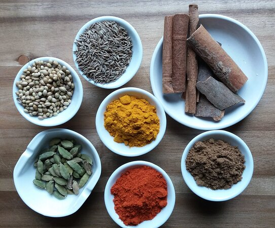 Miramont-de-Guyenne, France: Essential spices