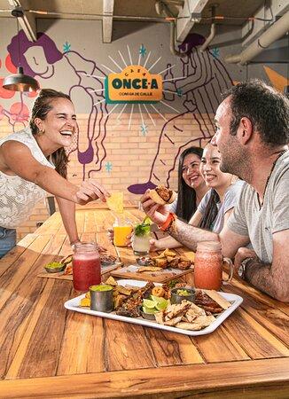 Street food en Medellín que no vas a querer ni compartir