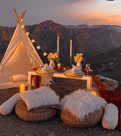 A romantic evening on the mountains in Ras Al Khaimah - qratedworld.com