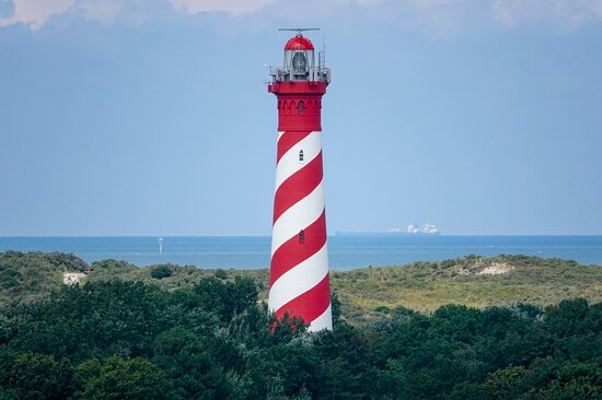 Nieuw-Haamstede, Holland: De Westerlichttoren straalt weer