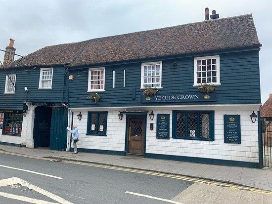 Ye Old Crown Bar