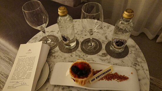 Welcome cheesecake to celebrate the hotel's 109th anniversary.