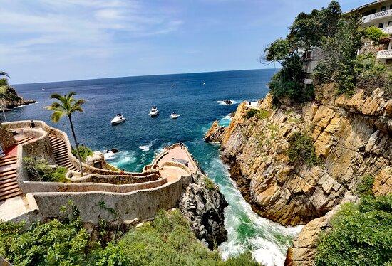 Assistour Acapulco