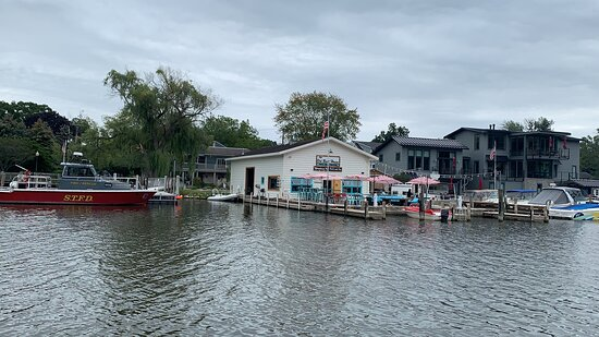 Homes/ business near Michigan lake