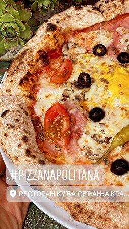 Pizza kuće Pice spremamo u italijanskoj tradicionalnoj peći na drva, prema tradicinalnom receptu, zbog čega prema Trip Advisor recenzijama spadamo u grupu gde su najposećeniji i odlično ocenjeni restorani grada Kraljevo.