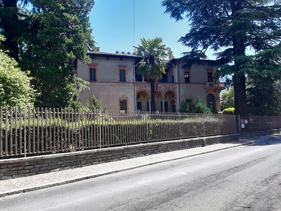 Villa Quadrio - Biblioteca Civica Pio Rajna