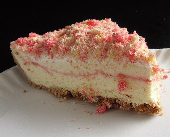 Favorite Strawberry Crunch Bar Pie