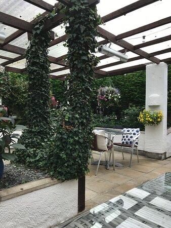 Dunstan, UK: Covered courtyard