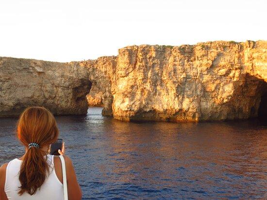 Sunset Experience   2 hours boat trip at sunset time: Visión espectacular y singular de la isla. Fantastica!