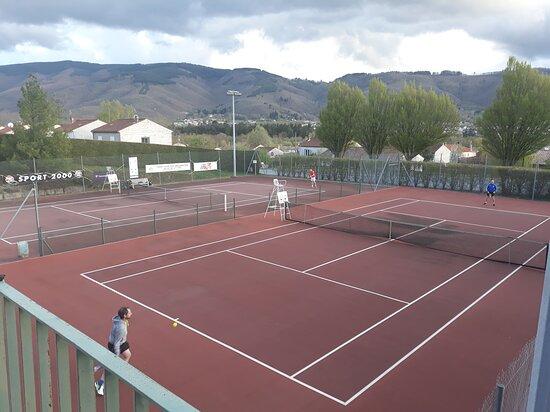 Tennis Club Association Pays Mazametain