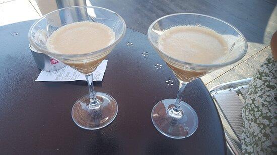 Pegli, Ιταλία: Un ottimo caffè shakerato con Baileys. Il Rombo non ci delude mai.