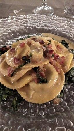 Capannoli, Italien: Tortelli coi funghi. Buonissimi